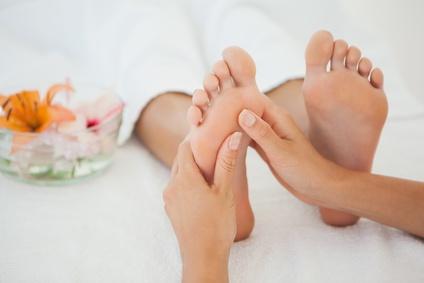 Ein Fußreflexzonenmassage wirkt reflektorisch auf Deinen ganzen Körper.